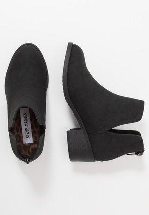 JLANCASTER - Korte laarzen - black