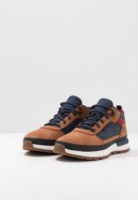 Timberland - FIELD TREKKER - Sneaker high - medium brown - 2