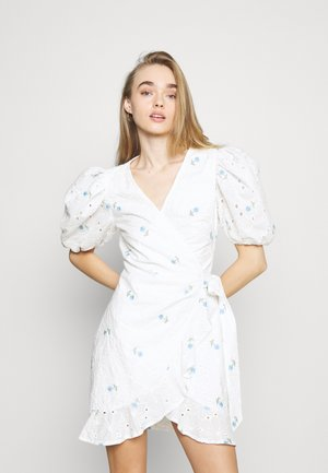 FLORAL BRODERIE PUFF SLEEVE MINI DRESS - Day dress - white