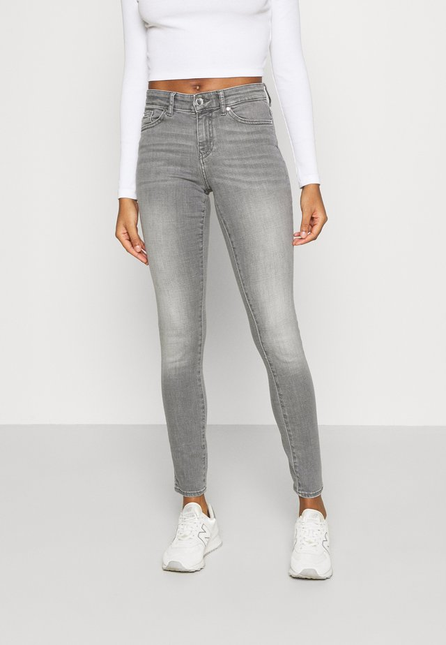 ONLANNE MID SKINNY - Jeans Skinny Fit - grey denim