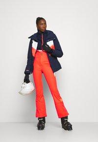 O'Neill - ORIGINALS BIB PANTS - Pantalon de ski - fiery coral - 1