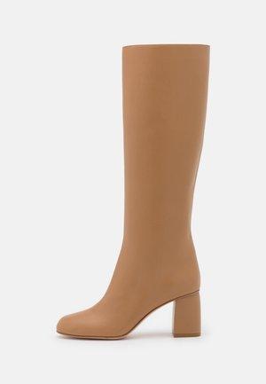 BOOT - Botas - cammello