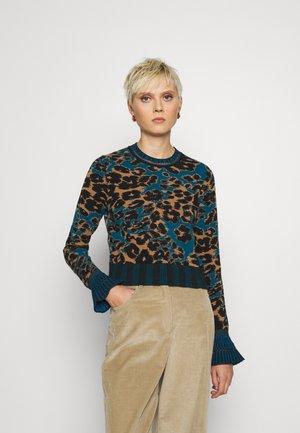 ROBERTA - Jumper - brown/ocean blue