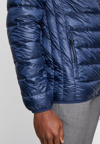 Only & Sons - ONSFAVOUR - Down jacket - dress blues - 5