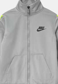 Nike Sportswear - SET - Survêtement - smoke grey - 3