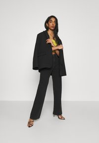 NA-KD - FULL LENGTH  - Jeans relaxed fit - black - 1