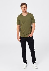 Selected Homme - SHDTHEPERFECT - T-paita - olive - 1