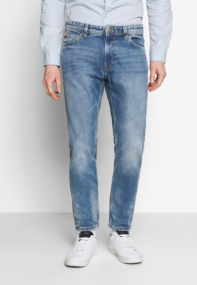Džíny Slim Fit - blue light wash
