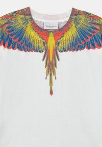 Marcelo Burlon - Print T-shirt - white - 2