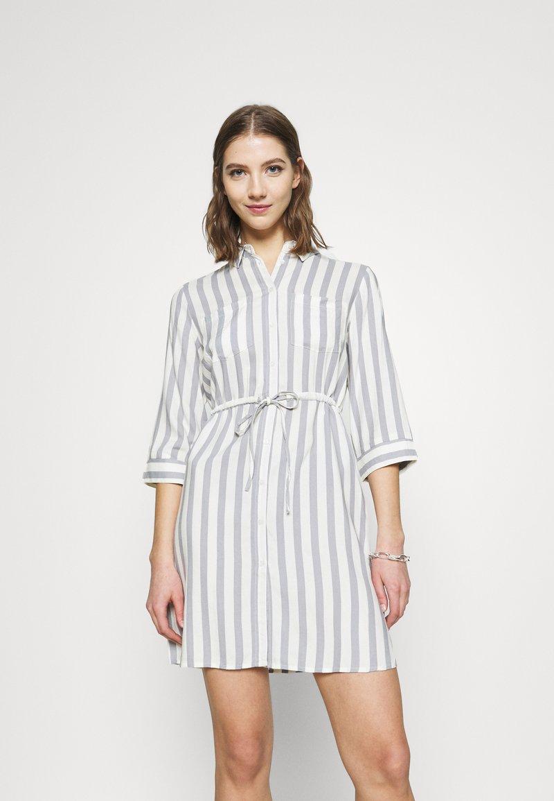 ONLY - ONLTAMARI DRESS - Shirt dress - cloud dancer/silver conce