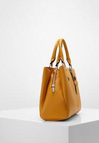 L. CREDI - FRANKFURT - Handbag - gelb - 2