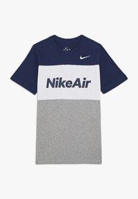 Nike Sportswear - AIR TEE - Print T-shirt - midnight navy/white/grey heather - 0