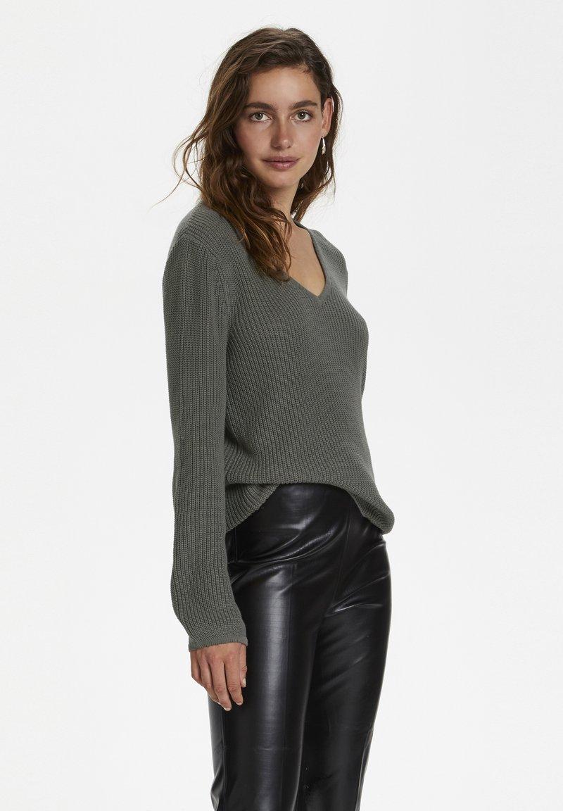 Soaked in Luxury - Sweter - brushed nickel