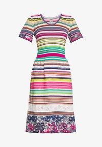 Ivko - STRIPED DRESS - Strikket kjole - white - 4