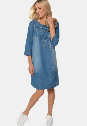 Robe en jean - kornblumenblau