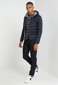 Armani Exchange - Kurtka puchowa - navy/melange grey - 1
