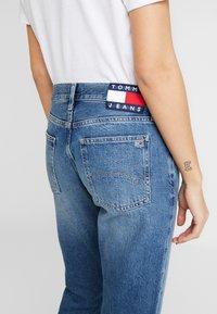 Tommy Jeans - IZZY HIGH RISE SLIM SNDM - Jeans Straight Leg - sunday mid - 3