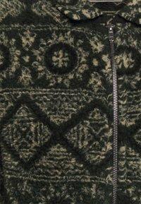Anerkjendt - AKSØREN PILE - Fleece jacket - dark green - 2