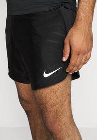 Nike Performance - SHORT - Sportovní kraťasy - black/white - 4