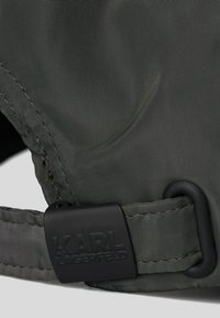KARL LAGERFELD - Cap - a996 black/gray - 3