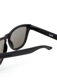 Hawkers - ONE - Sunglasses - black - 3