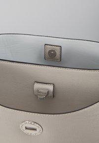 L. CREDI - EVITA - Handbag - stone - 4
