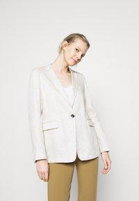 s.Oliver BLACK LABEL - LANGARM - Short coat - beige - 0