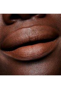 MAC - MATTE LIPSTICK - Lipstick - derrière - 2