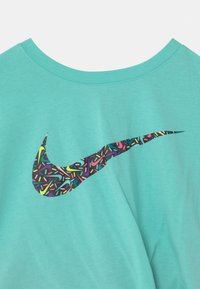 Nike Sportswear - SPRINKLE SET - T-shirt con stampa - black - 3