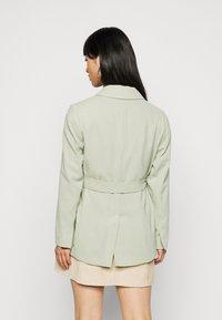 Dorothy Perkins Petite - WASHED WRAP JACKET - Summer jacket - green - 2