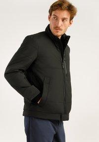Finn Flare - IM MODERNEN LOOK - Winter jacket - black - 3
