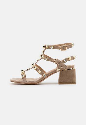 Sandals - vison
