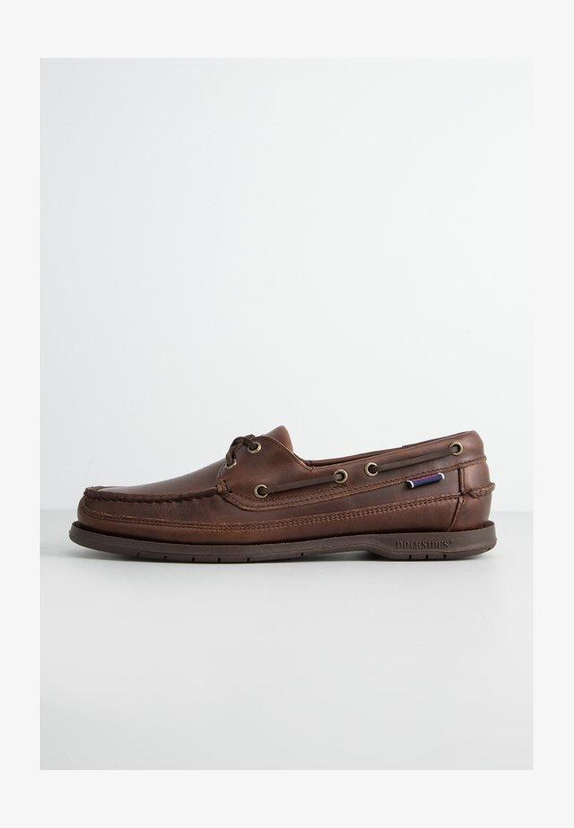 SCHOONER - Boat shoes - brown