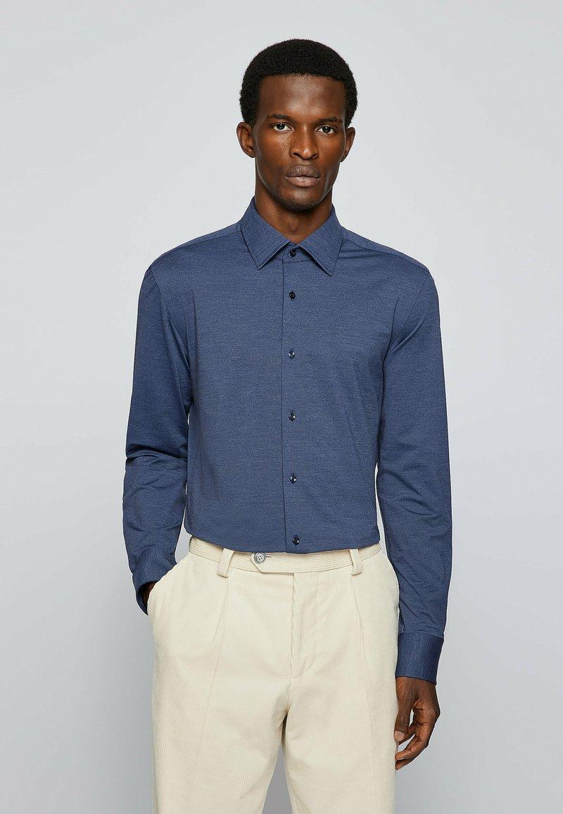 BOSS - P HANK KENT - Formal shirt - open blue