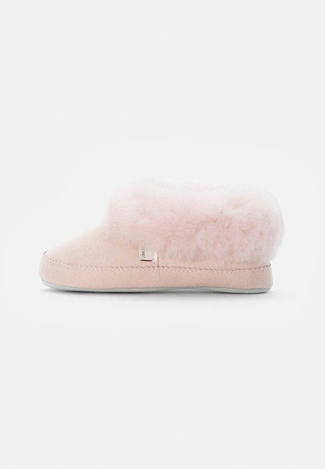 PITEÅ - Domácí obuv - pink