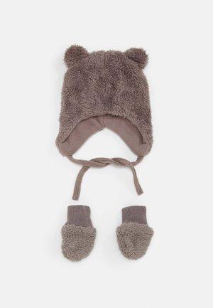 NBMMELBEL TEDDY SET UNISEX - Bonnet - cinder