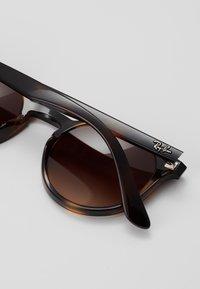 Ray-Ban - JUNIOR PHANTOS - Sluneční brýle - brown - 2