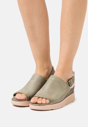 PLATIUAN - Platform sandals - uniform