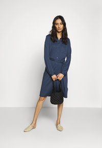 Moss Copenhagen - MELISSA SHIRT DRESS - Jersey dress - sky captain - 1