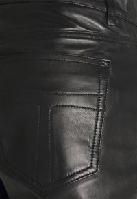 Tiger of Sweden Jeans - KEITH - Leather trousers - black - 2