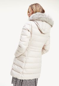 Tommy Hilfiger - Down coat - ac vintage white - 0