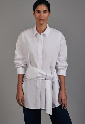 OVERSIZED FIT - Button-down blouse - weiss