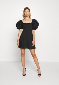 Missguided - PUFF SLEEVE BUTTON THROUGH MINI DRESS - Skjortekjole - black - 1