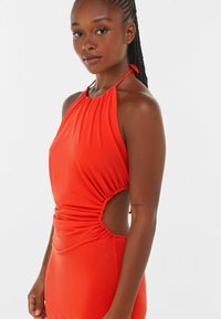 Bershka - WITH CUT-OUT AND OPEN BACK  - Cocktail dress / Party dress - red - 3
