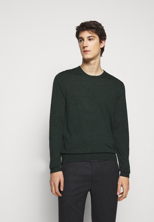 NEW BASIC CREW - Strikkegenser - spruce green melange