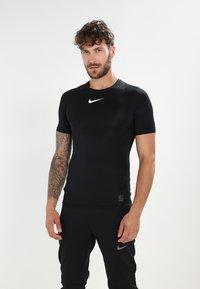 Nike Performance - PRO COMPRESSION - Tílko - black/white/white - 0
