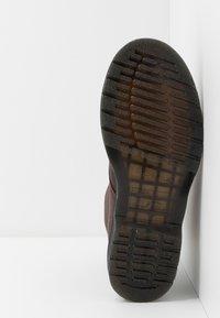 Dr. Martens - 1460 PASCAL - Šněrovací kotníkové boty - cask ambassador - 4