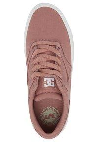 DC Shoes - KALIS VULC - Sneakersy niskie - blush - 1