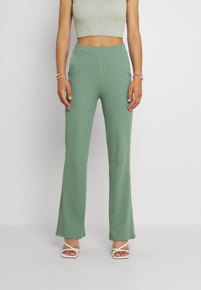 VIJULLA PANTS - Bukse - hedge green