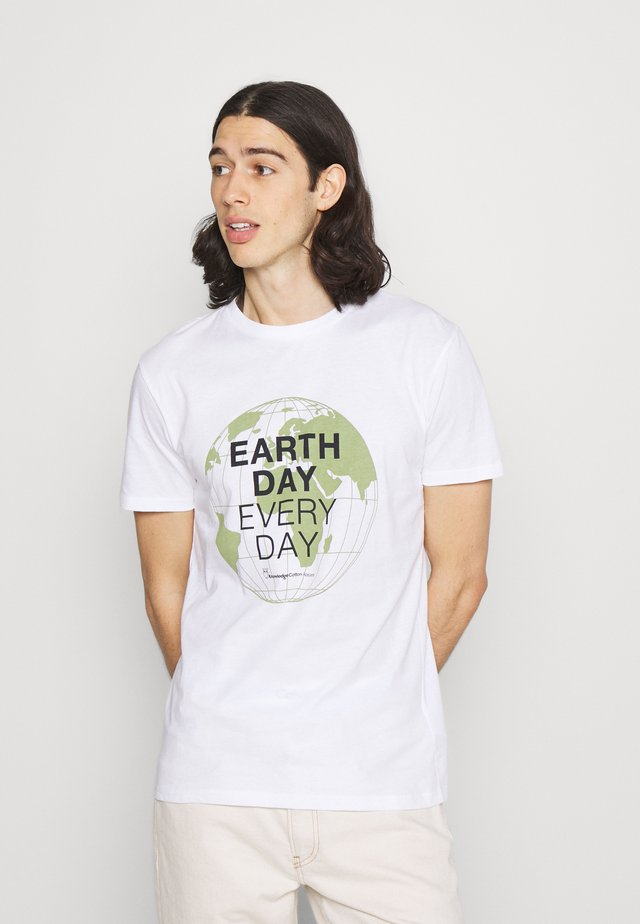 ALDER EARTH DAY EVERY DAY GLOBE TEE  - T-shirt con stampa - bright white